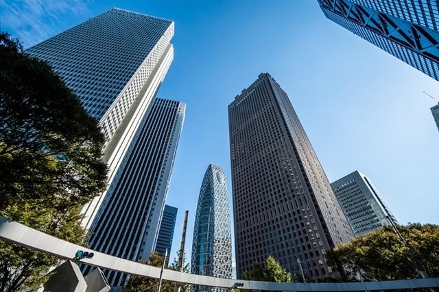 東京のオフィスビル群