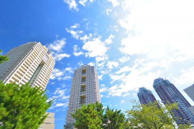 都会の高層マンション群